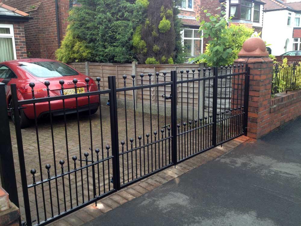 Bifolding Gates 4