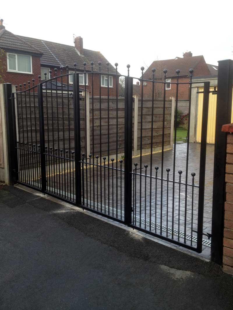 Bifolding Gates 5