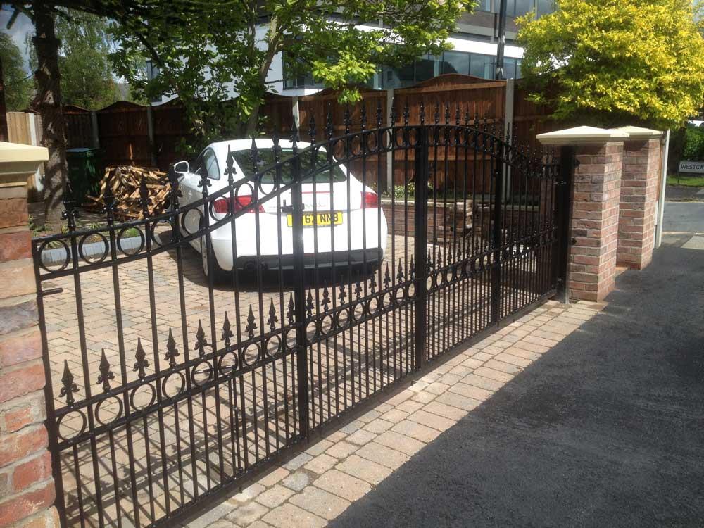 Bifolding Gates 7