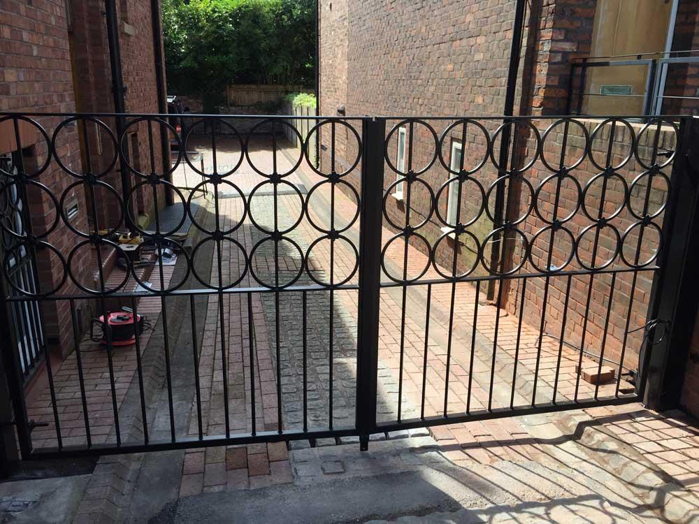 Double Gates 1