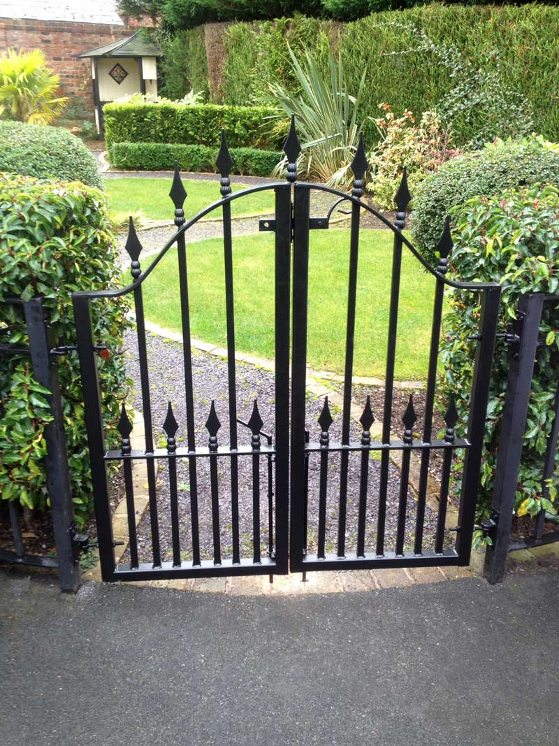 Double Gates 22