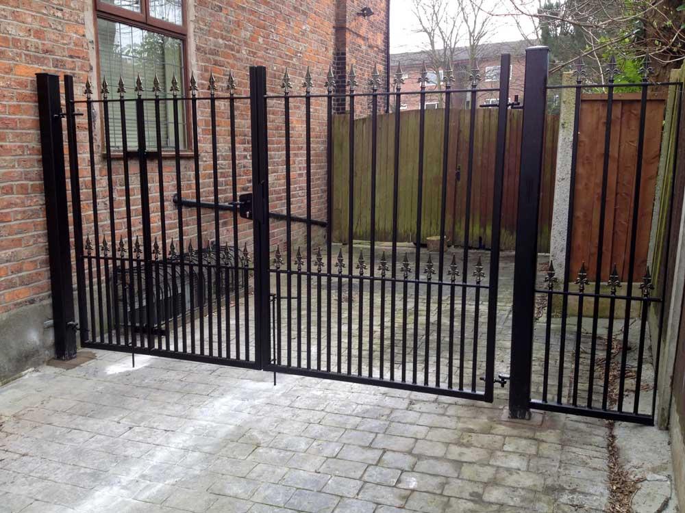 Double Gates 23