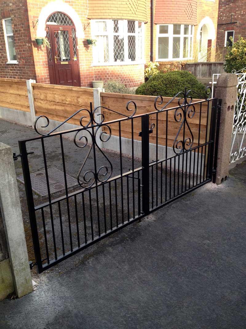 Double Gates 27
