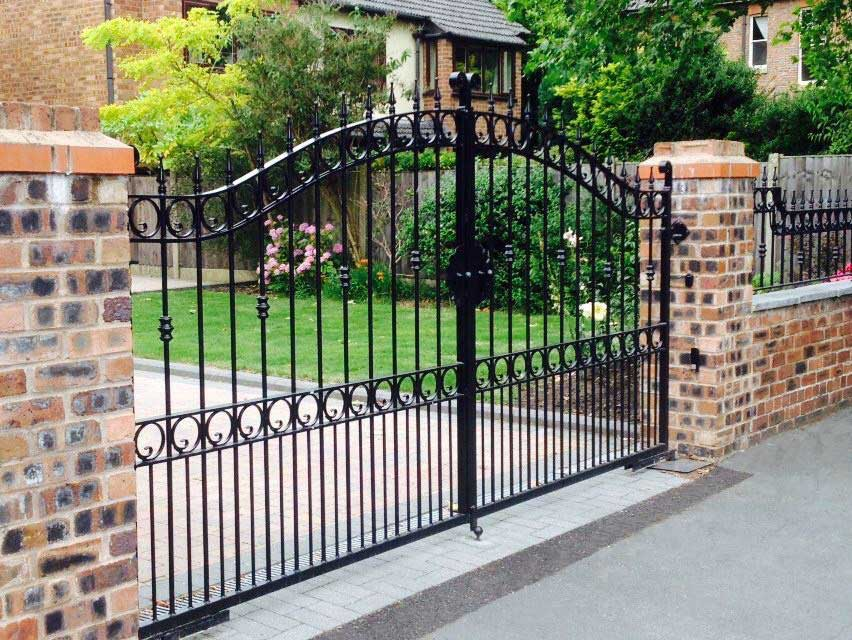 Double Gates 4