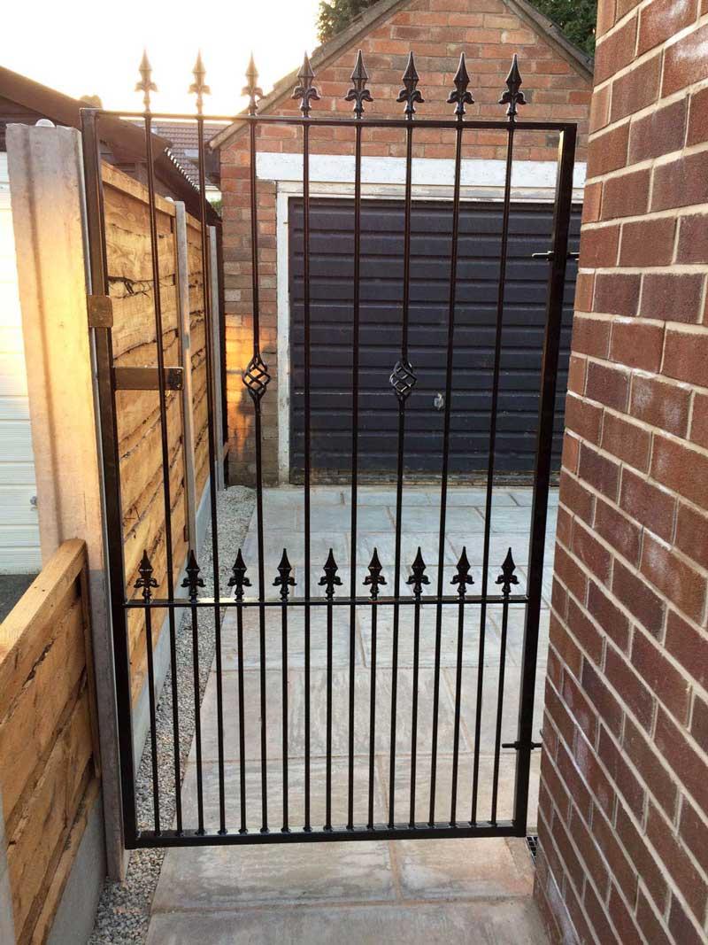 Single Gates 11