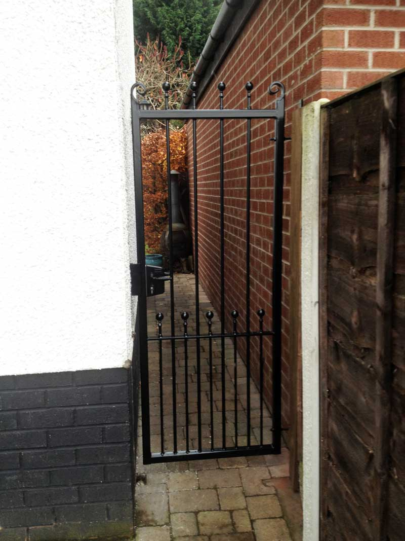 Single Gates 14