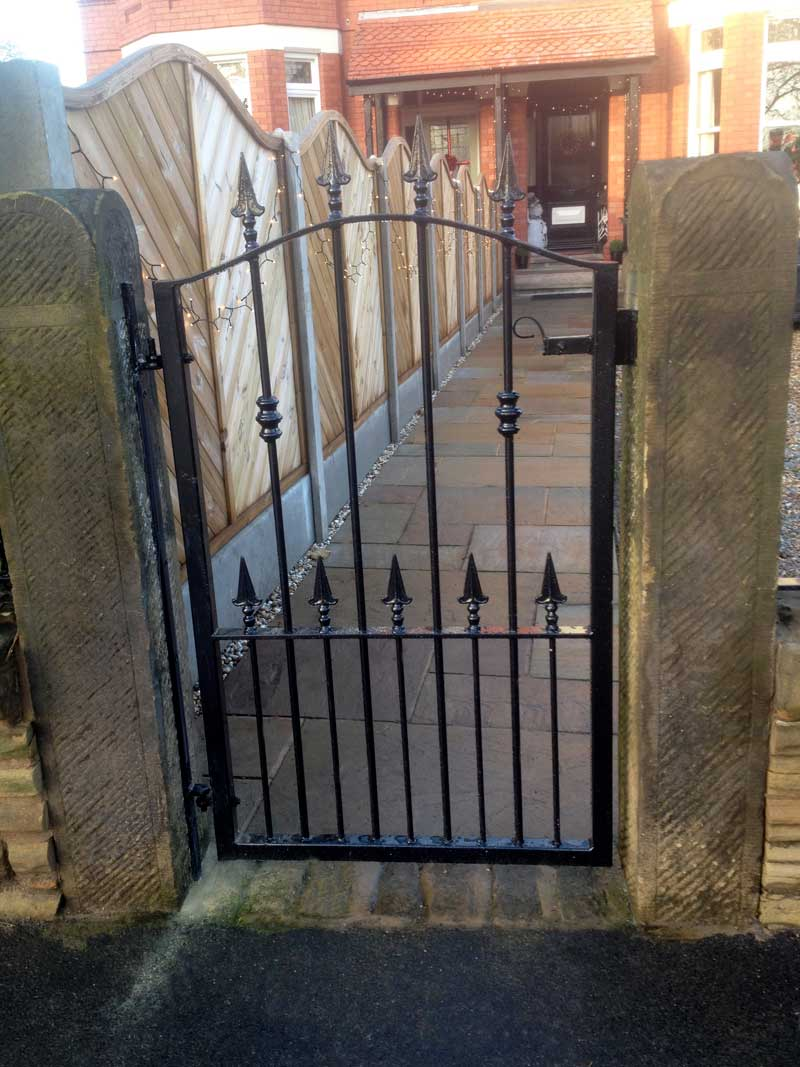 Single Gates 26