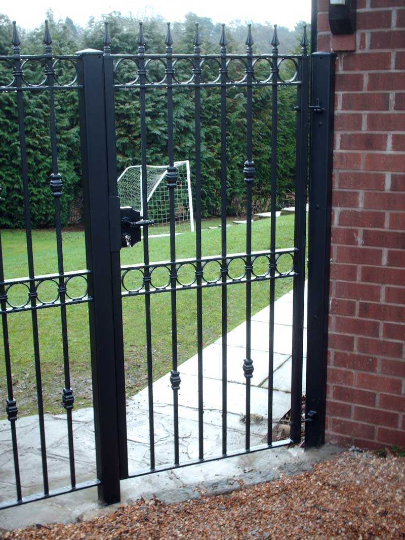 Single Gates 31