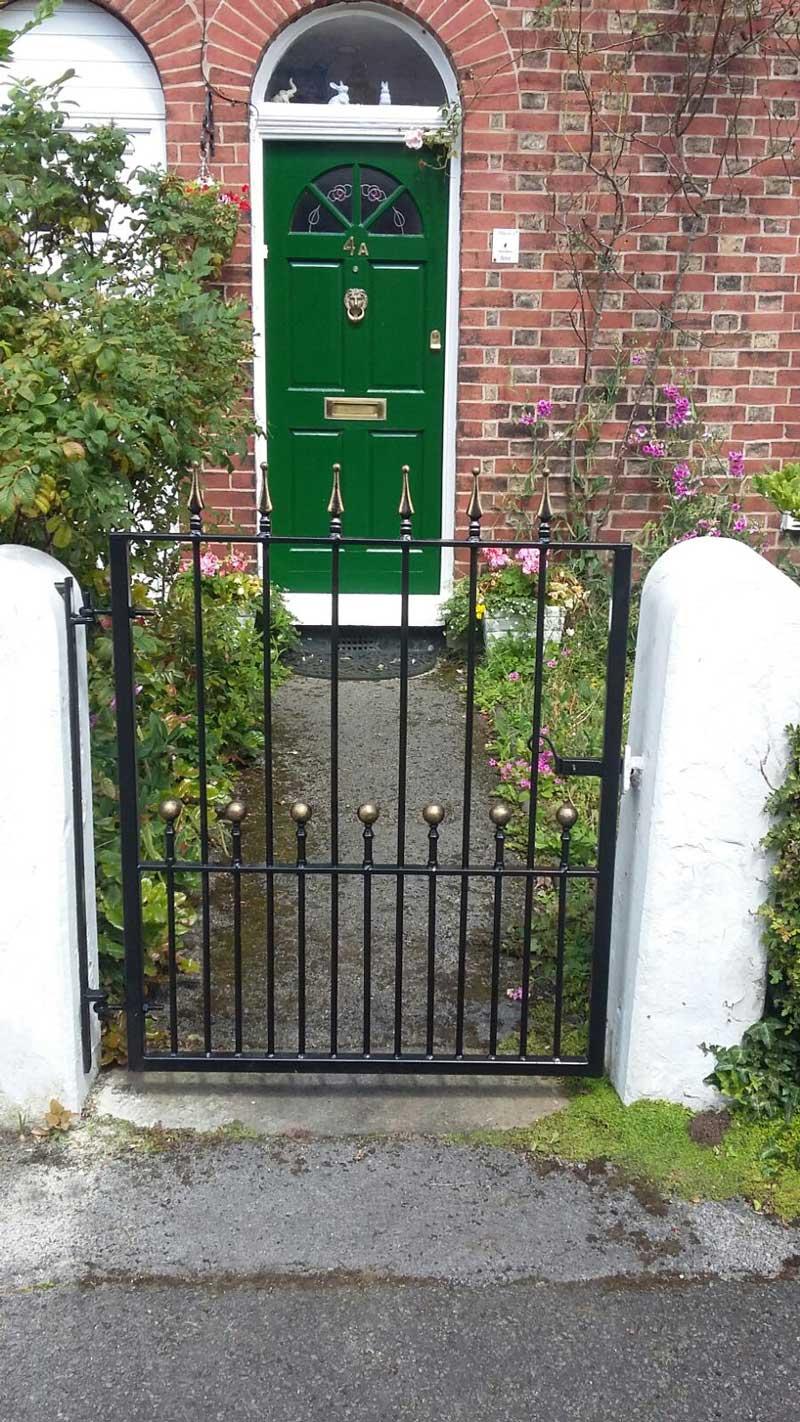 Single Gates 4