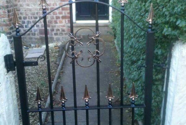 Single Gates 6