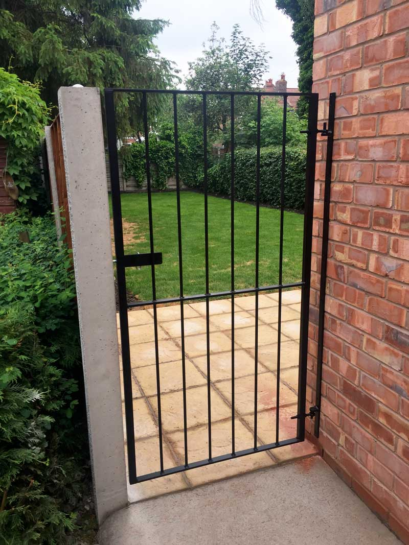 Single Gates 8